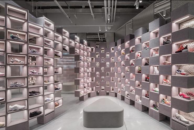post 65 - A Galerie Lafayette dos Champs Elysées - sneakers